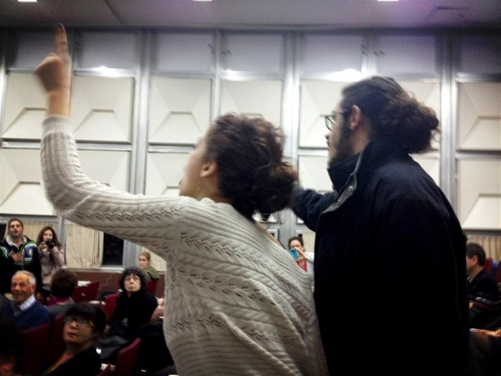 فيديو: بعد الجامعة العبرية؛ الطلاب العرب بجامعة تل ابيب يتصدون للمطبع مايكل نبيل