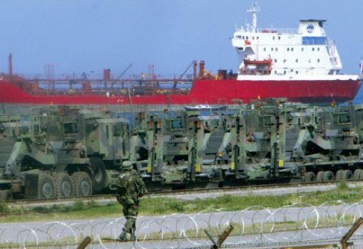 سفينة شحن تحمل صواريخ باتريوت تصل ميناء الإسكندرونة