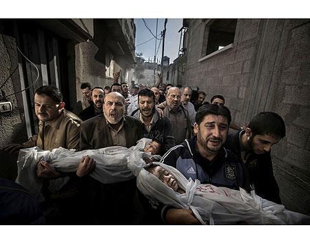 صورة طفلين قتلا في غارة إسرائيلية على غزة تفوز بجائزة أفضل صورة صحفية عالمية