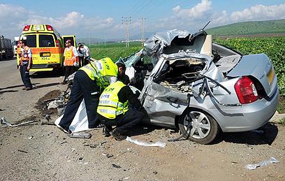 مصرع شاب ومسنة في حادث طرق قرب بيسان