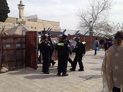 القدس: مواجهات مع قوات الاحتلال فور انتهاء صلاة الجمعة