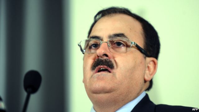 قائد الجيش السوري الحر يرفض قرار إقالته