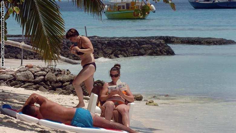 """""""ديلي ميل"""": ولي العهد السعودي يحجز جزر """"المالديف"""" بـ 30 مليون دولار"""