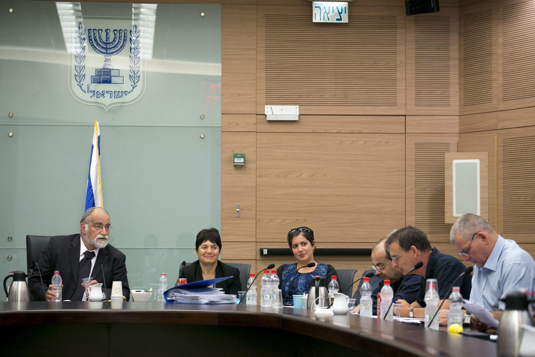 اللجنة الوزارية لشؤون التشريع تقر رفع نسبة الحسم لـ 3.25%