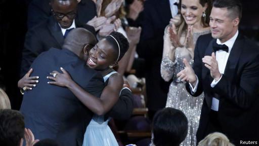 """سبع جوائز أوسكار لـ """"جاذبية"""" و""""12 عاما من العبودية"""" أفضل فيلم"""
