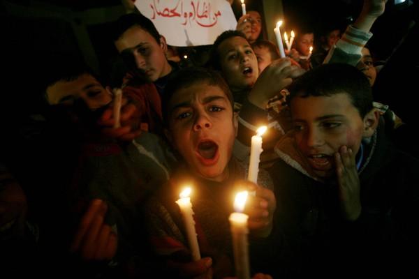 أزمـة الوجود تتفاقم في قطاع غزة وعودة لنظام الست ساعات