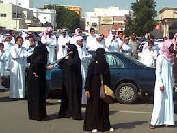 الاندبندنت: بنات ملك السعودية يخضعن للاقامة الجبرية بامر منه