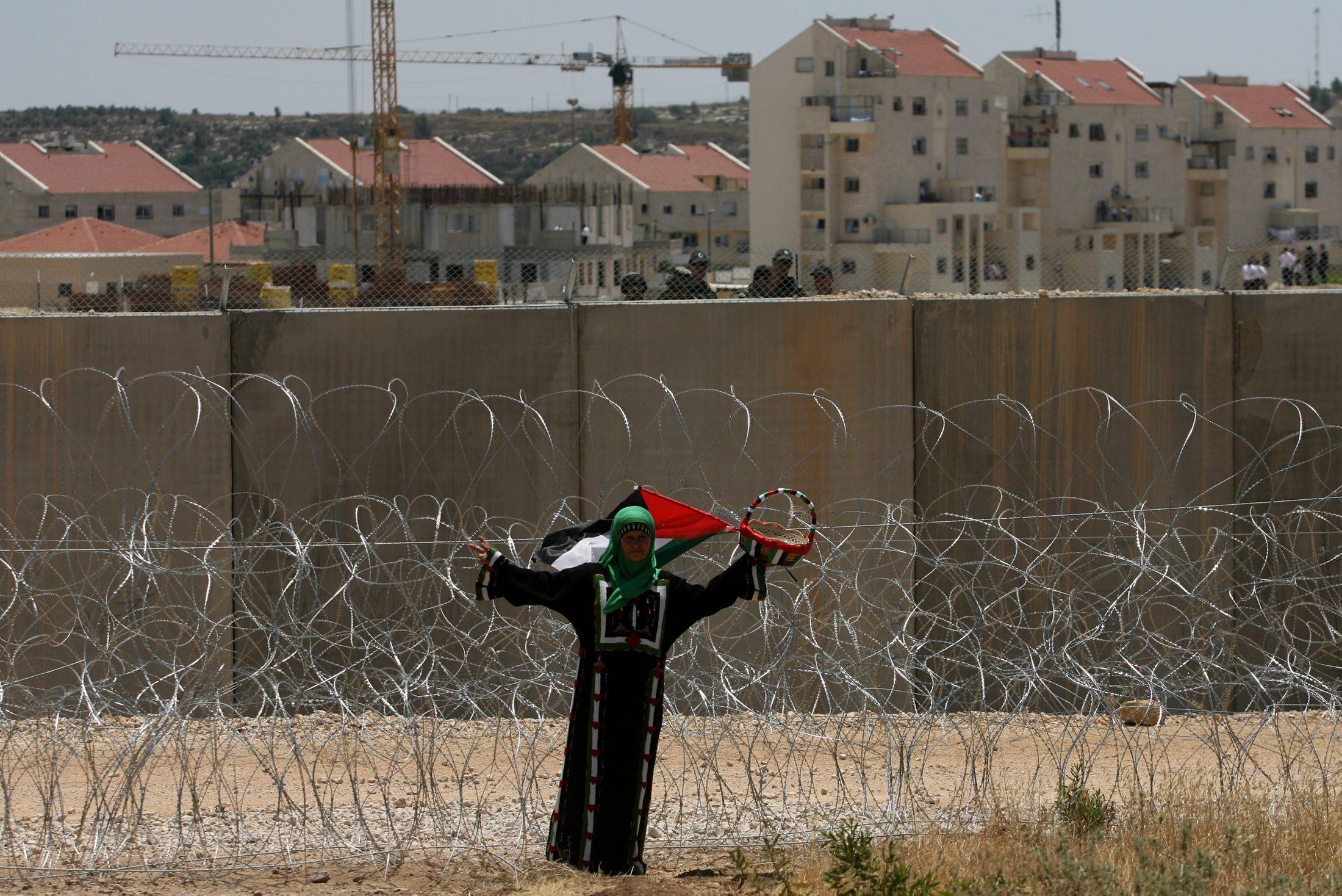 """استطلاعان إسرائيليان: اتفاق سلام وتطبيع علاقات مع العالم العربي أهم من الاعتراف بــ""""الدولة اليهودية"""""""