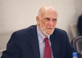 فولك يتهم إسرائيل بالتطهير العرقي ضد الفلسطينيين