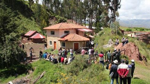 بيرو: إسرائيليون يدمرون ويسرقون آثار
