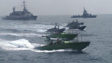 إصابة اربعة صيادين فلسطينيين بنيران زوارق حربية إسرائيلية