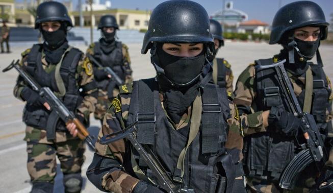 تخريج أول فوج من قوات الـ «كوماندوس» النسائي الفلسطيني