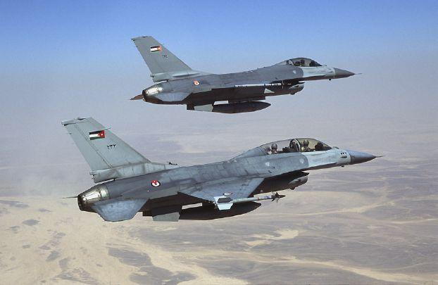 سلاح الجو الأردني يدمر آليات حاولت اجتياز الحدود من سورية