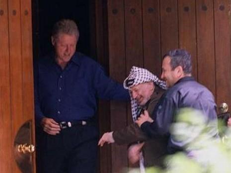 كلينتون: إسرائيل كانت مستعدة للتنازل عن المسجد الأقصى في كامب ديفيد