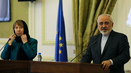 """زي """"شرعي"""" لأشتون خلال المفاوضات مع إيران"""