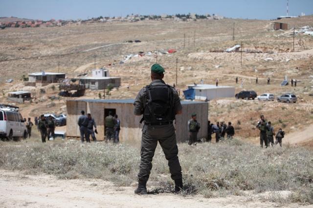 سلطات الاحتلال تهدم  بيد وتبيّض البؤر الاستيطانية بيد أخرى