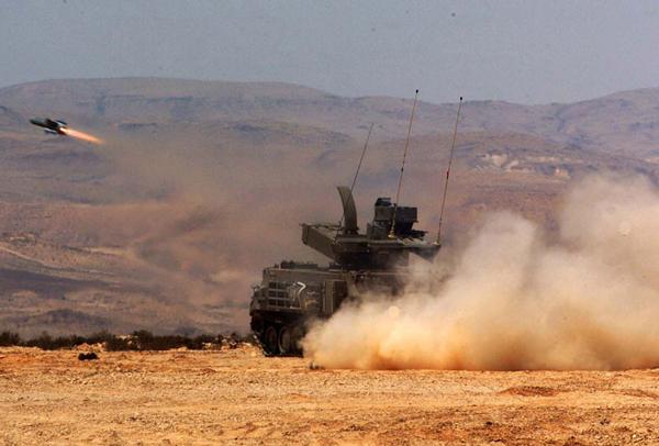 إسرائيل تعمل على تطوير صاروخ بمدى 150 كيلومترا لسلاح المدفعية