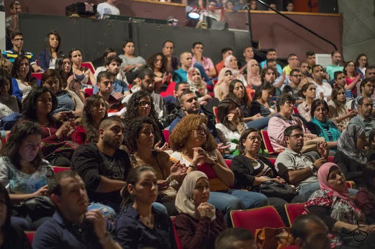"""القدس؛ بحضور أهالي أسرى ومحرّرين: مشاركة واسعة في """"الزمن الموازي"""""""