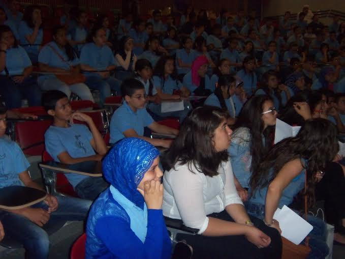 """شفاعمرو:  نزار قباني والأدب الساخر والخط العربي في يوم اللغة العربية في الاعدادية """"ب"""""""