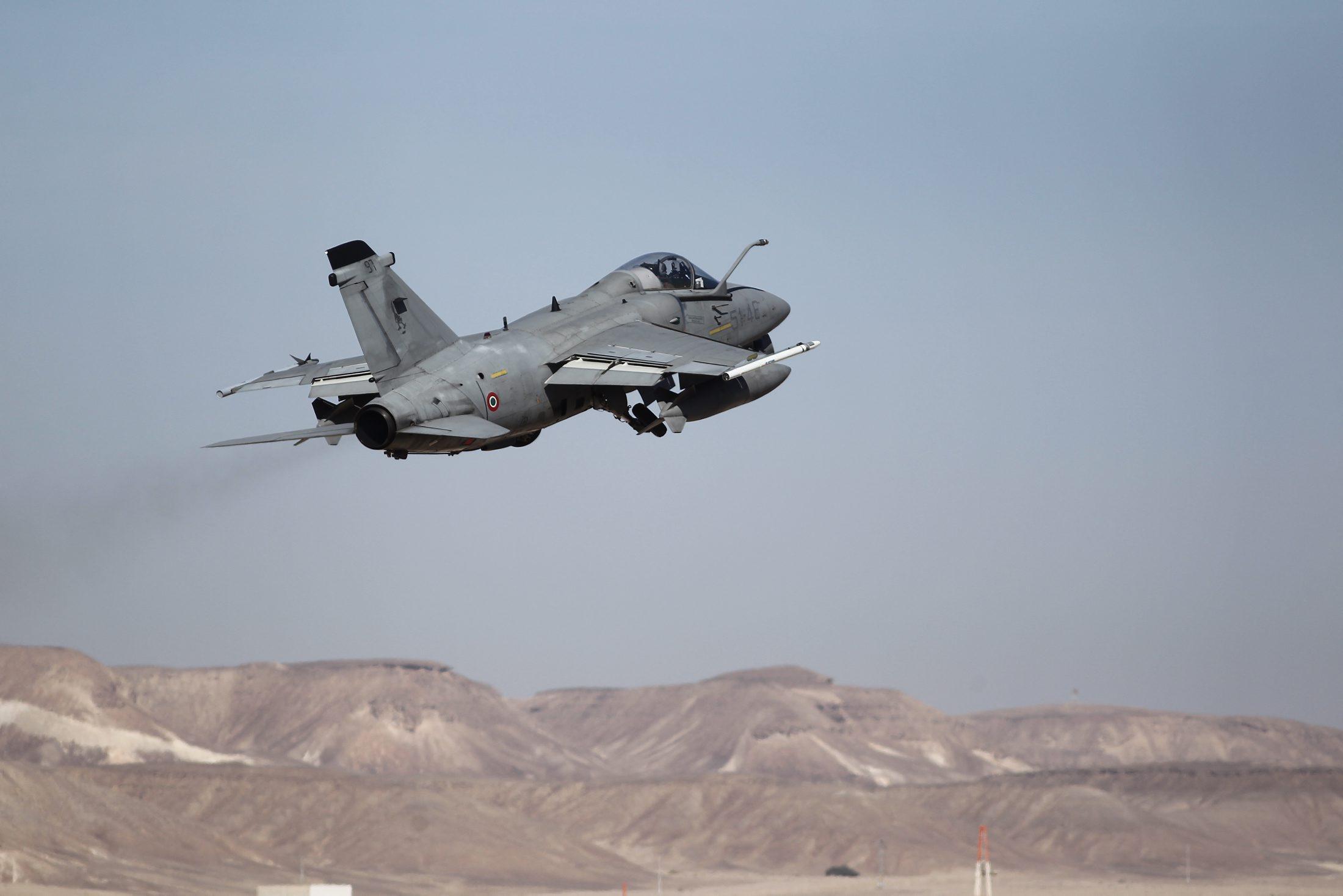 سلاح الجو الإسرائيلي يهدد بتقليص طلعات التدريب