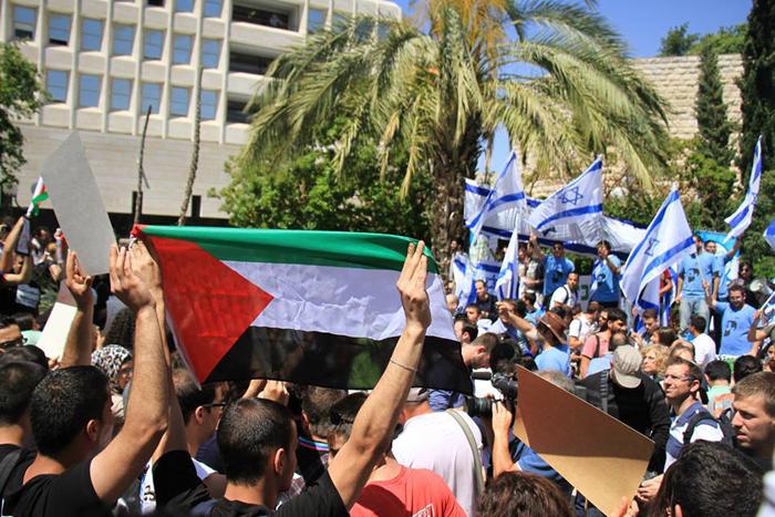 """الجامعة العبرية: التجمع الطلابي يرد على تحريض """"النقابة"""" ويعتبره انحيازا عنصريا"""