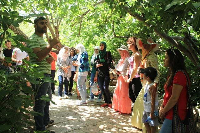 في يوم احتلال القدس: الطلّاب العرب تزور القرى المُهجّرة بالرغم من استفزازات الجيش والمستوطنين