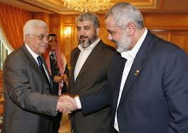 الاندبندنت: اسرائيل حذرت عباس بأنه سيتحمل مسؤولية كل صاروخ تطلقه حماس