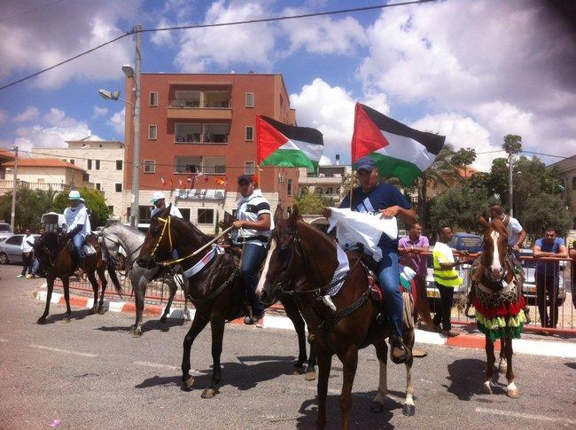 أم الفحم: مسيرة خيول حاشدة نصرةً للأسرى المضربين