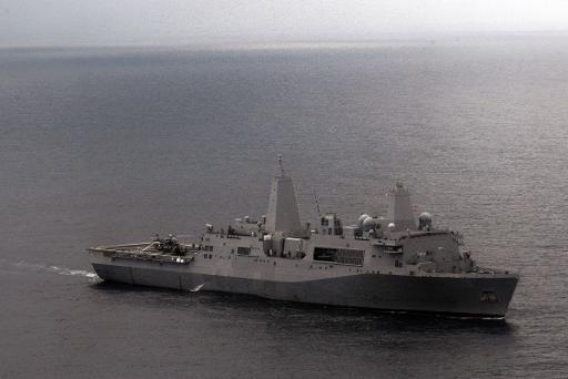الولايات المتحدة ترسل الى الخليج سفينة على متنها عناصر من المارينز وطائرات