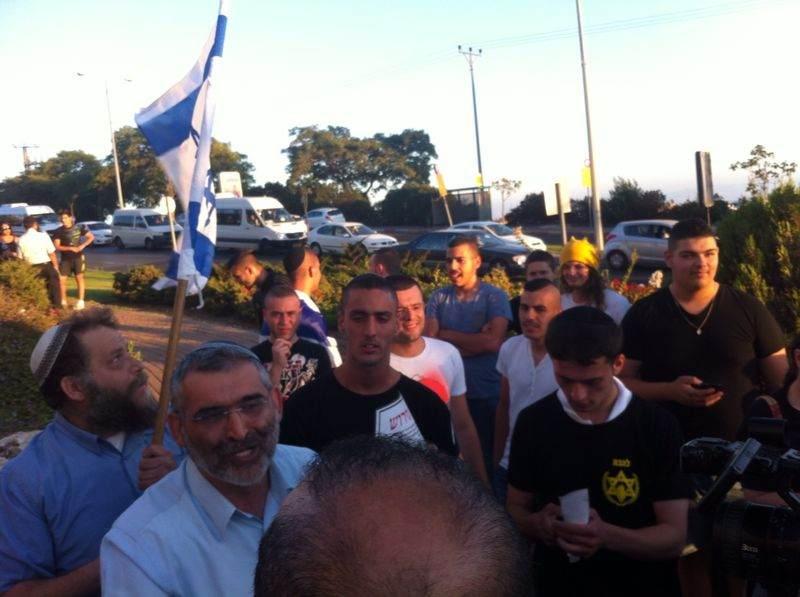 الناصرة: نشطاء اليمين يحاولون الوصول لمنزل النائب زعبي