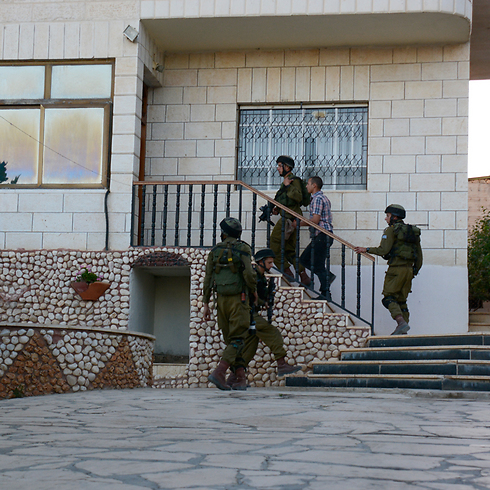 أجهزة الأمن الإسرائيلية تواجه صعوبات في الكشف عن خلايا مسلحة في الخليل