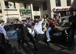 رام الله: مواجهات بين متظاهرين وبين قوات الاحتلال والشرطة الفلسطينية