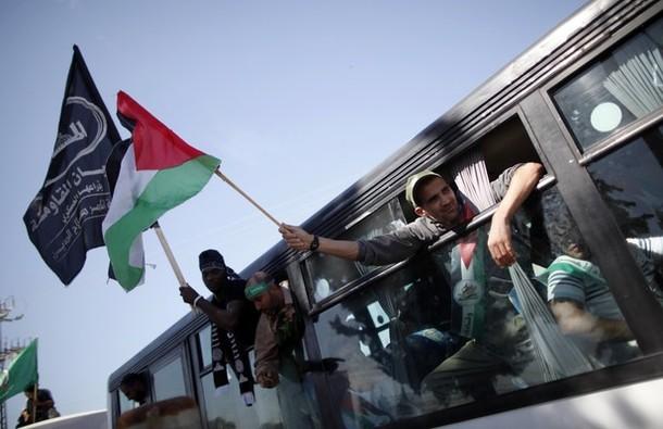 """حماس تشترط التهدئة بإطلاق سراح محرري صفقة """"الوفاء للأحرار"""""""