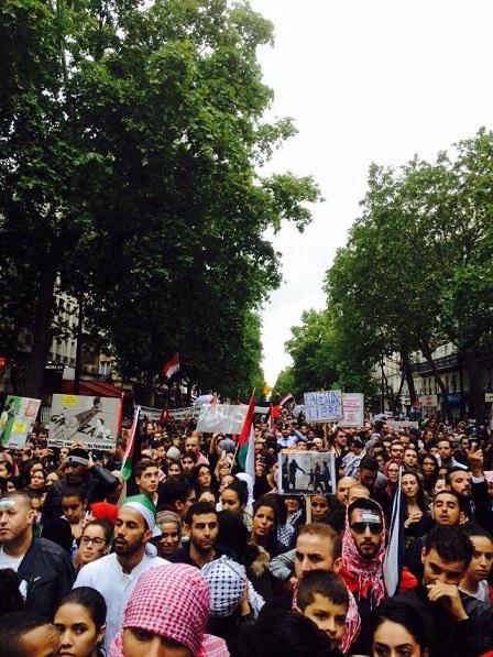 متطرفون يهود يعتدون على مسيرة تضامن مع غزة في باريس