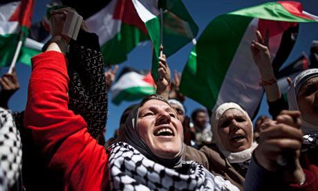 """""""إلى غزة""""، تظاهرة نسائية عند معبر بيت حانون غداً الأربعاء"""