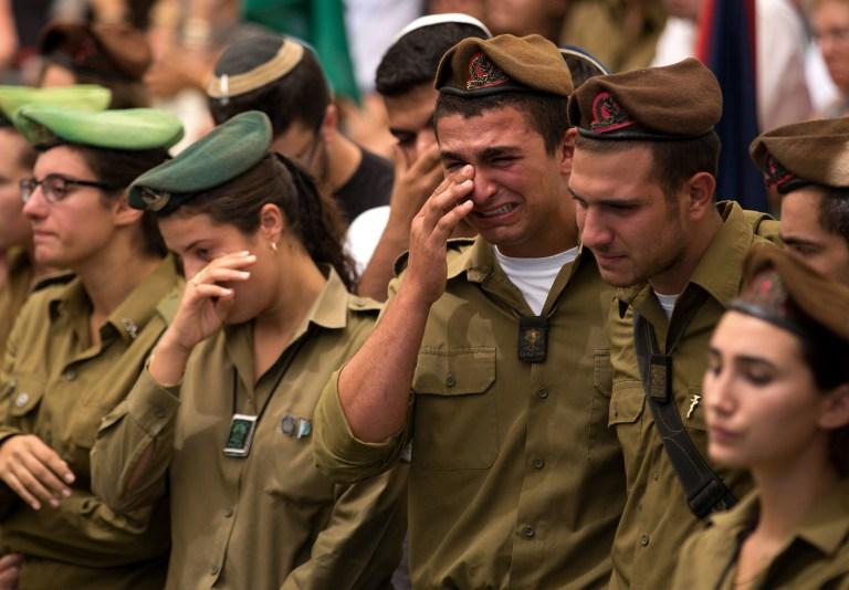 صحف إسرائيل: نتنياهو ويعالون يبحثان عن مخرج ويخشيان الرأي العام... ودعوات لاغتيال مشعل