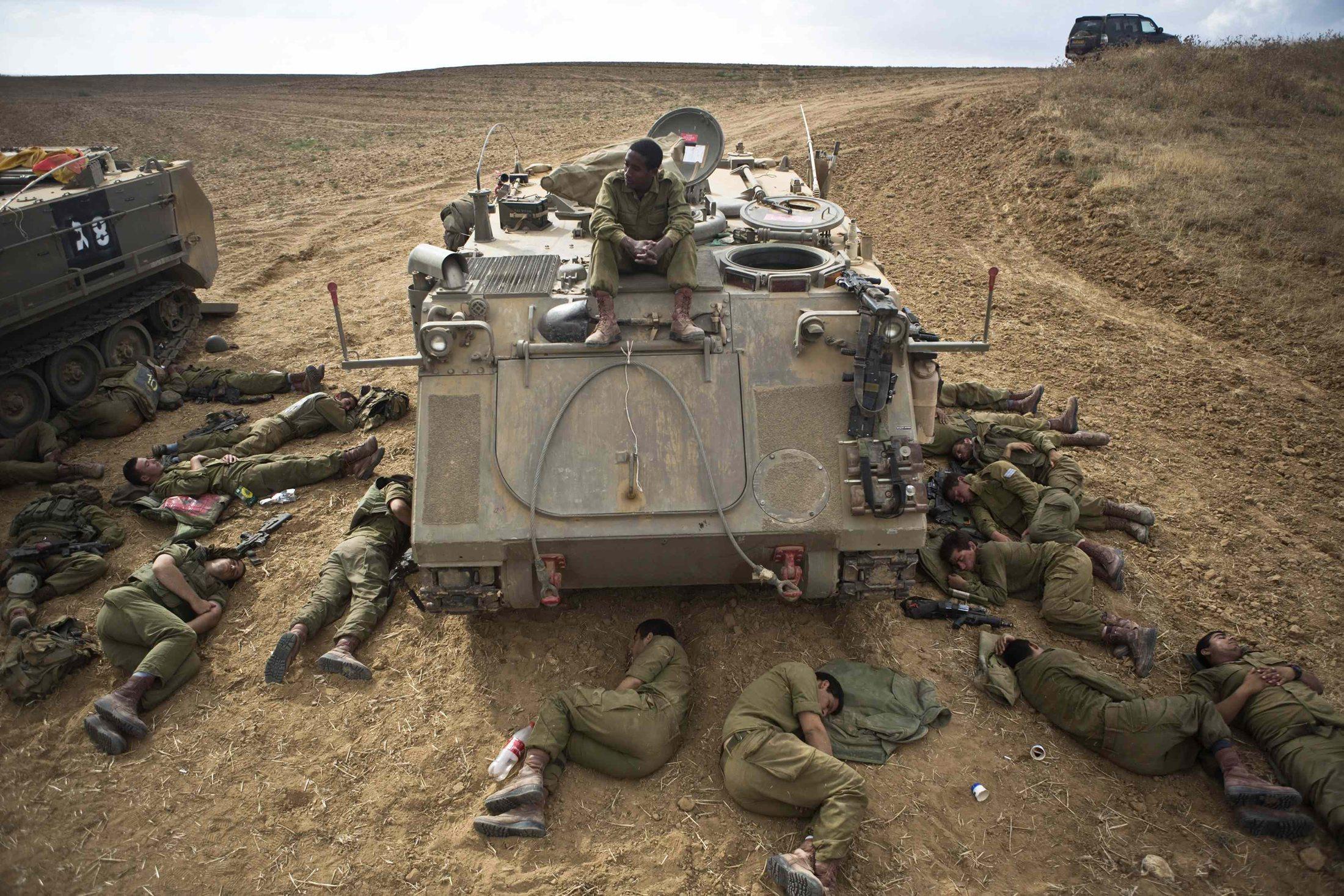 """""""نتانياهو توقف عن البحث عن صورة انتصار ويتوسل وقف إطلاق النار"""""""