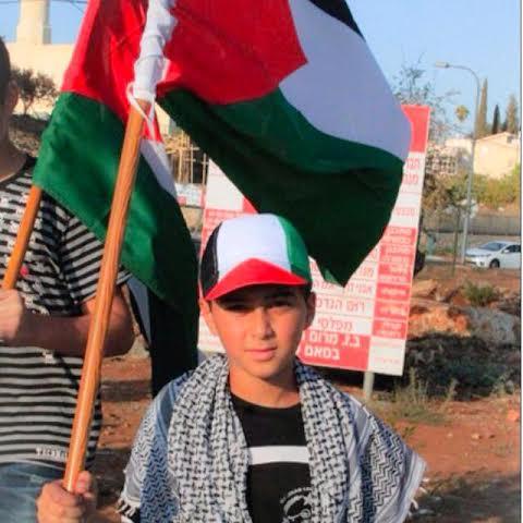 عكا: الشرطة تمنع وقفة تضامن مع غزة أمام محطة القطار