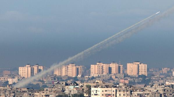 إطلاق صواريخ باتجاه منطقتي تل أبيب وبئر السبع