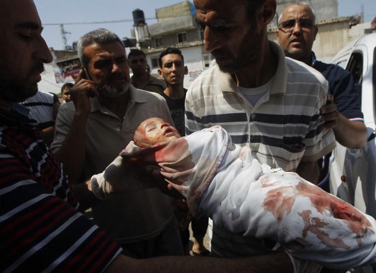 فاينشطاين يرفض بث أسماء الأطفال الشهداء في غزة