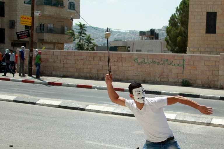السلطة تعتقل نشطاء حماس في الضفة