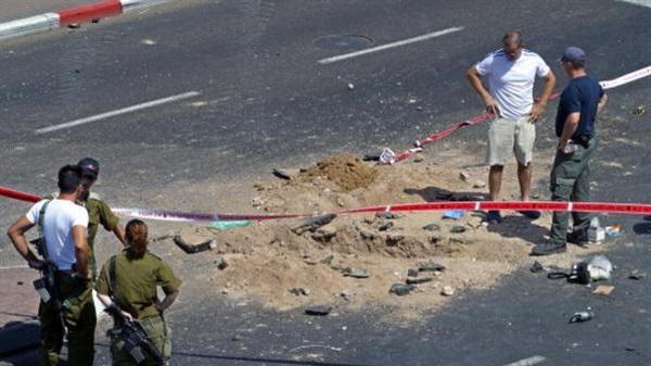 """انفجار صواريخ قرب """"كريات شمونة"""" والجيش الإسرائيلي يرد بالقصف المدفعي"""