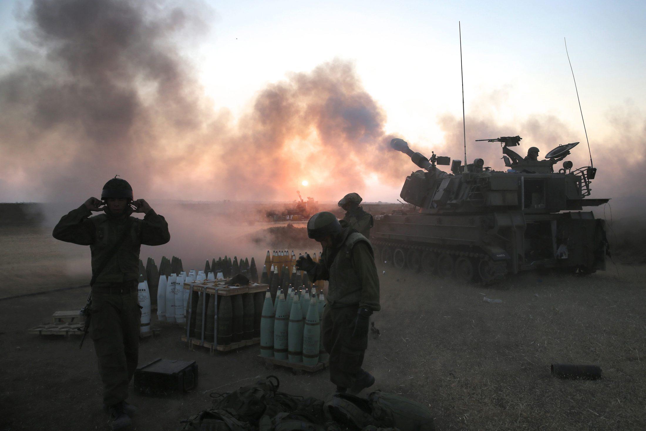 ألف قذيفة دبابة ومدفع في اليوم على قطاع غزة