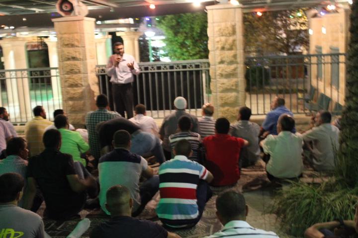 الناصرة: تمزيق اللافتات الدينية في شهاب الدين تحريض وفتنة طائفية