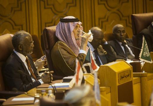 """نبيل العربي يدعو لقرار عربي """"حاسم لمواجهة شاملة"""" مع تنظيم الدولة الإسلامية"""