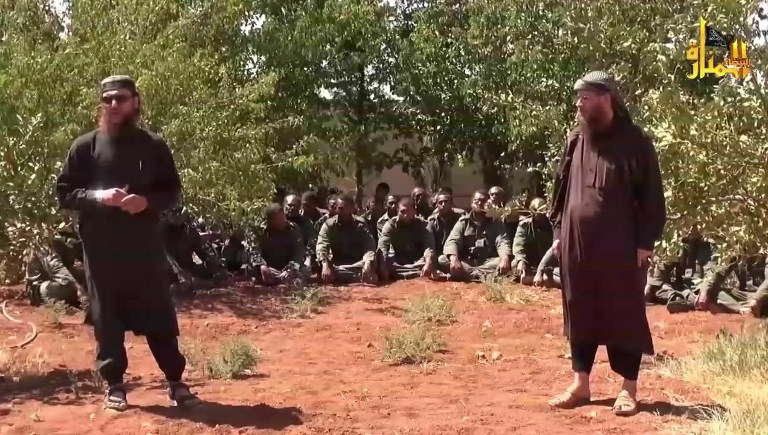 وصول الحافلات التي تقل جنود حفظ السلام  المحررين إلى القنيطرة