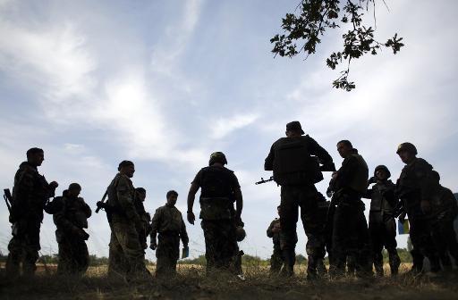 كييف تتهم الانفصاليين بتهديد عملية السلام وقصف في دونيتسك