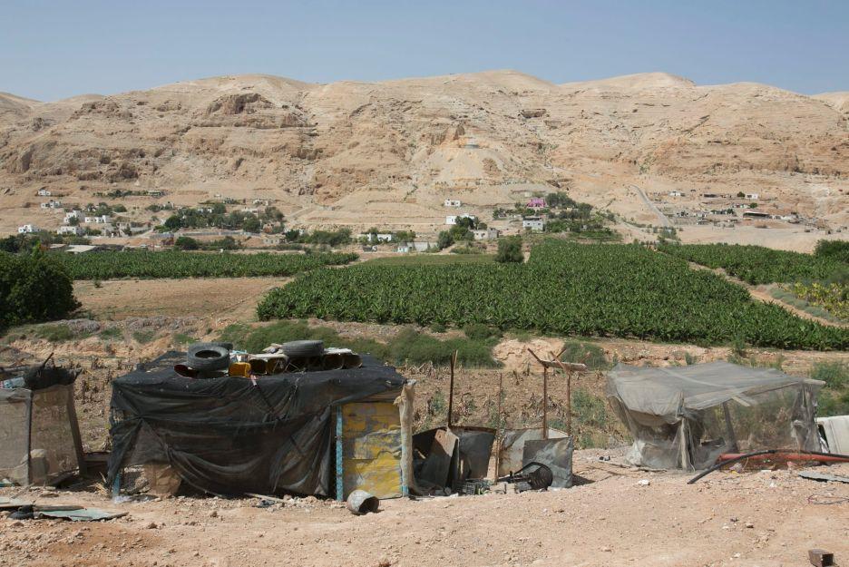 الاحتلال ماض في مخطط اقتلاع بدو شرق القدس وتجميعهم في بلدة في الأغوار