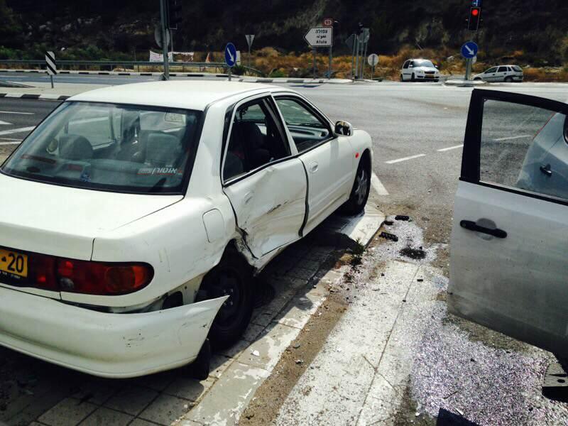 مشيرفة: إصابة شخصين في حادث طرق