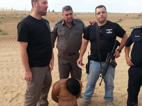 أجهزة الأمن الإسرائلية تدعي اعتقال شاب من غزة وإحباط «عملية»
